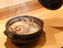 桜鯛の炊き込みご飯(季節の炊き込み)